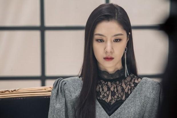 5 yêu nữ thần thái đỉnh nhất phim Hàn: IU ở Hotel Del Luna có đọ nhan sắc thắng nữ thần thanh xuân Kim So Hyun? - Ảnh 12.