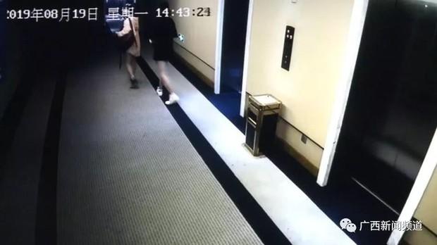 Những cô gái sành điệu để lại vật thể lạ trong ấm đun nước khách sạn 5 sao, nhân viên dọn phòng khi phát hiện đã buồn nôn nửa ngày - Ảnh 3.