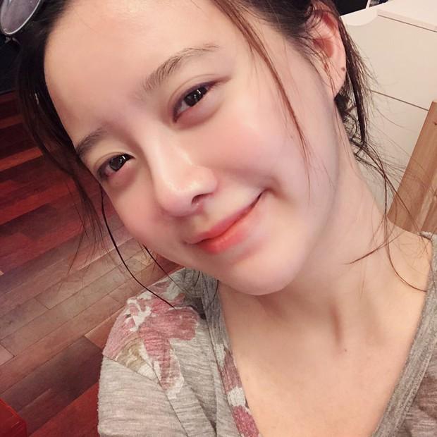 Giữa bão bùng ly hôn, bình tĩnh ngắm làn da đẹp từng milimet của Goo Hye Sun cùng 5 bí kíp skincare cô áp dụng - Ảnh 4.