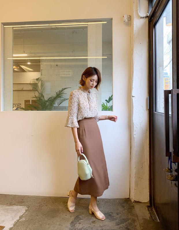 Hoa hậu Thu Thảo đích thị là tín đồ của áo blouse và bạn sẽ không phải hối hận nếu học cô sắm 5 kiểu sau - Ảnh 7.