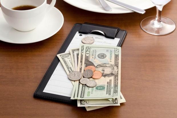 """Thế kỷ 21 rồi, vào nhà hàng, khách sạn tip bao nhiêu là đủ? Tip thế nào cho tế nhị, cho """"sang""""? - Ảnh 6."""