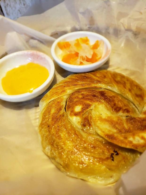 Lạ lùng món bánh xé mới toanh vừa cập bến Sài Gòn: vừa ăn vừa xé cực gây nghiện - Ảnh 5.