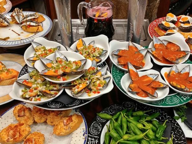 Chuyên trang Mỹ công bố 50 món ăn dù có phải bay vạn dặm cũng nên thử 1 lần trong đời, Việt Nam có 1 món được gọi tên! - Ảnh 1.