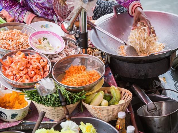 Chuyên trang Mỹ công bố 50 món ăn dù có phải bay vạn dặm cũng nên thử 1 lần trong đời, Việt Nam có 1 món được gọi tên! - Ảnh 48.