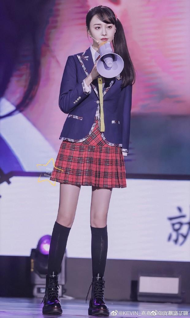 Từng bị chê mặc xấu suốt ngày vì gầy tong teo, giờ Trịnh Sảng nhận mưa lời khen mặc đẹp nhờ tăng cân - Ảnh 10.
