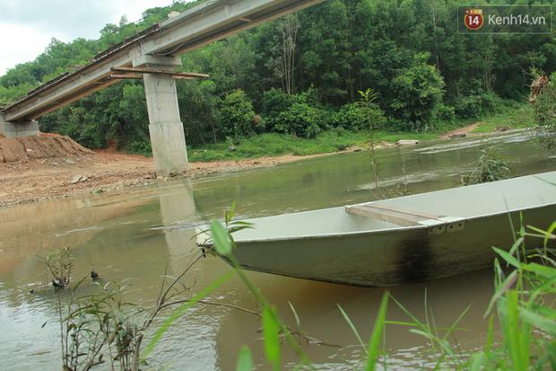 """Về vùng cao Bắc Giang nhìn người dân quanh năm vượt sông, lội suối để ra khỏi """"lũy tre làng"""" - Ảnh 25."""
