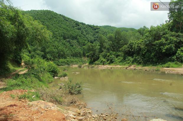 """Về vùng cao Bắc Giang nhìn người dân quanh năm vượt sông, lội suối để ra khỏi """"lũy tre làng"""" - Ảnh 20."""