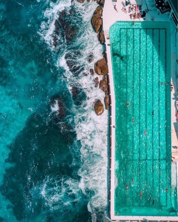 Đà Nẵng xuất hiện hồ bơi giữa biển đẹp y hệt nước ngoài, dân tình hớn hở rủ nhau đi sớm trước khi ai cũng biết chỗ này - Ảnh 1.