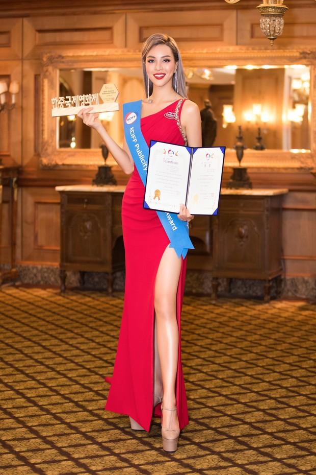 Khả Trang khoe sắc vóc chuẩn siêu mẫu tại Hàn, xuất sắc nhận được vinh dự mà nhiều mỹ nhân mơ ước - Ảnh 8.