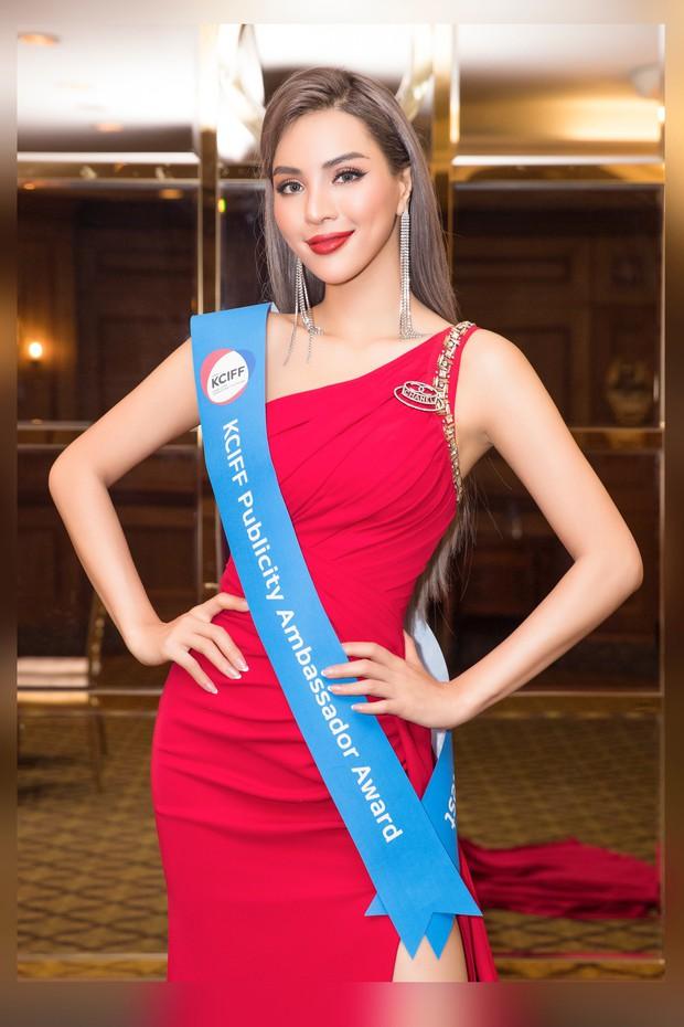 Khả Trang khoe sắc vóc chuẩn siêu mẫu tại Hàn, xuất sắc nhận được vinh dự mà nhiều mỹ nhân mơ ước - Ảnh 2.