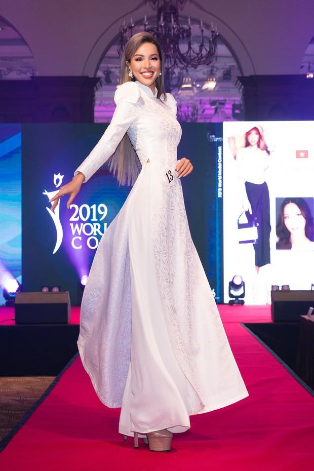 Khả Trang khoe sắc vóc chuẩn siêu mẫu tại Hàn, xuất sắc nhận được vinh dự mà nhiều mỹ nhân mơ ước - Ảnh 4.