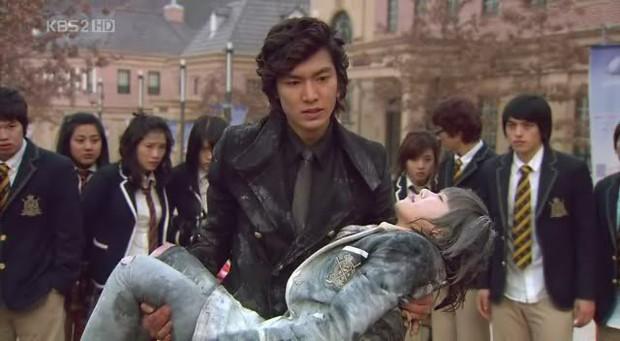 Netizen ủng hộ Goo Hye Sun, triệu hồi Lee Min Ho cùng dàn trai đẹp F4 đá gã chồng tù túng? - Ảnh 6.