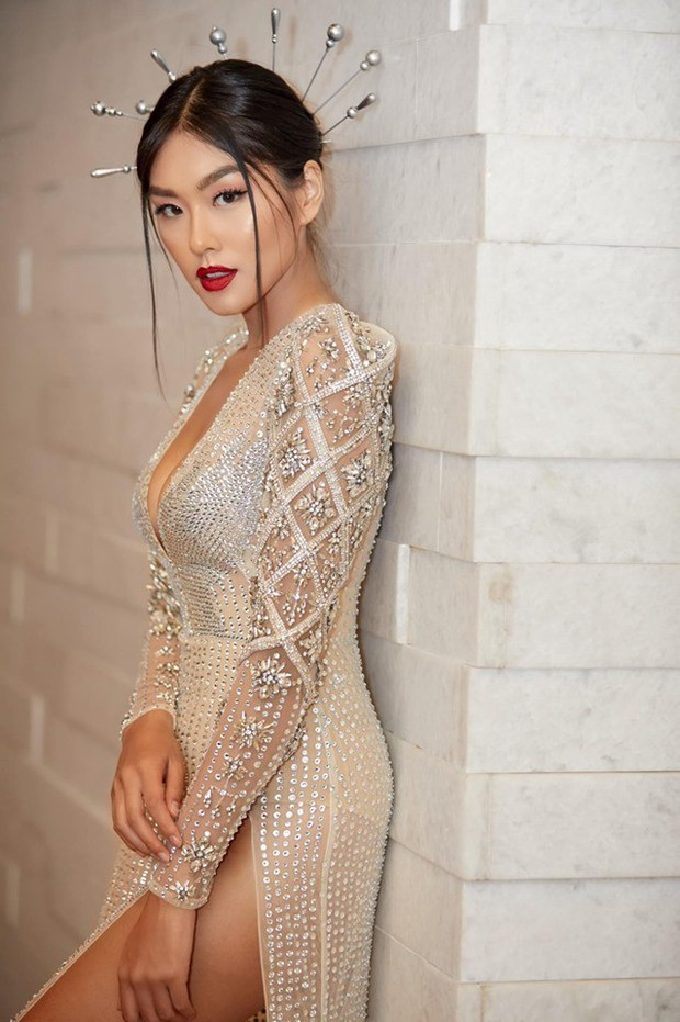 Cùng phá tan tành dress code của Elle Style Awards, nào ngờ Hari Won phải chào thua một cô nàng bốc lửa - Ảnh 5.
