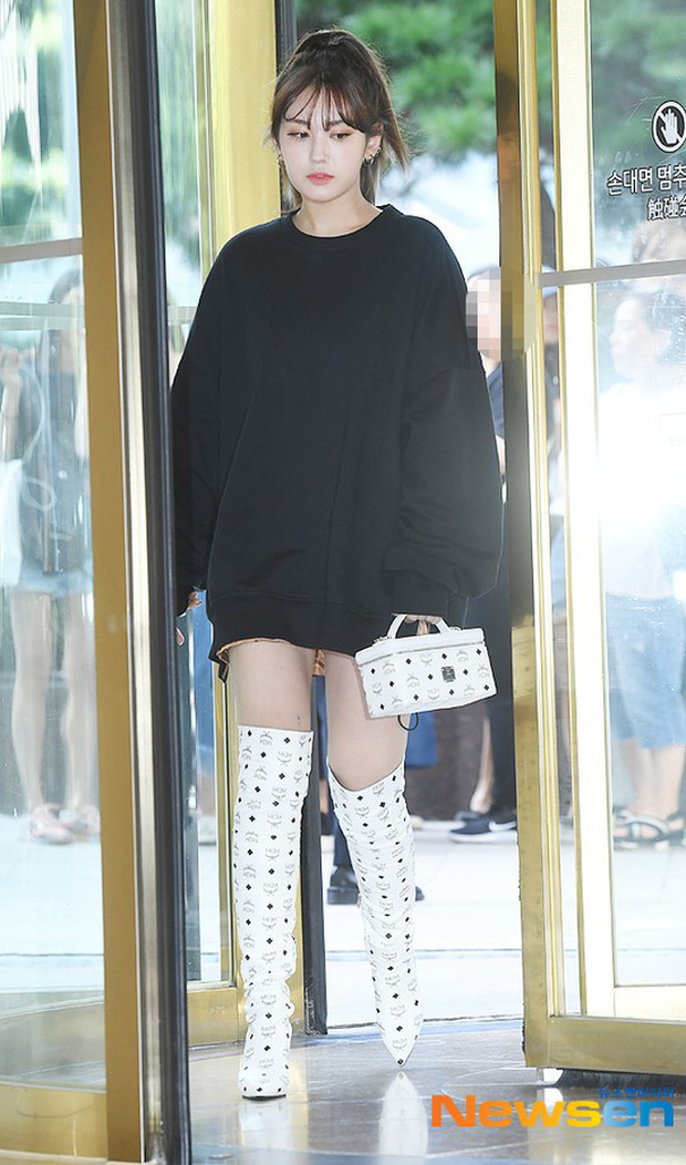 Nữ thần lai nhà YG đầy sang chảnh, Lee Da Hae mặt cứng đờ bên bạn gái Lee Kwang Soo và dàn sao xứ Hàn tại sự kiện - Ảnh 5.