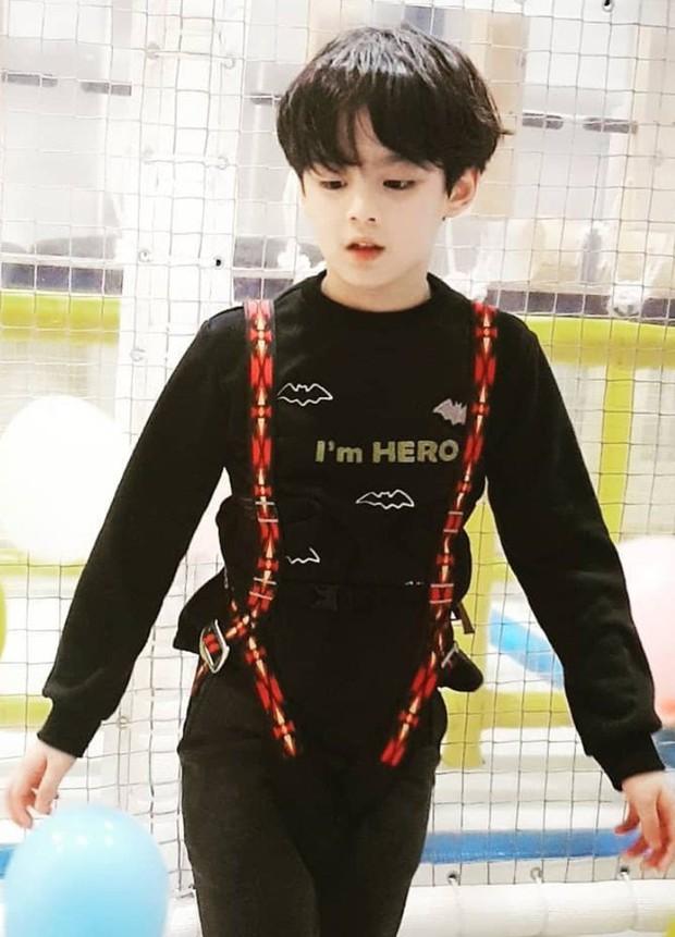 Dàn nhóc tỳ cực phẩm nhà sao Hàn: Nhan sắc xuất chúng thế này, idol và diễn viên tương lai đây chứ đâu? - Ảnh 12.