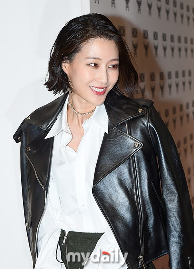 Nữ thần lai nhà YG đầy sang chảnh, Lee Da Hae mặt cứng đờ bên bạn gái Lee Kwang Soo và dàn sao xứ Hàn tại sự kiện - Ảnh 17.