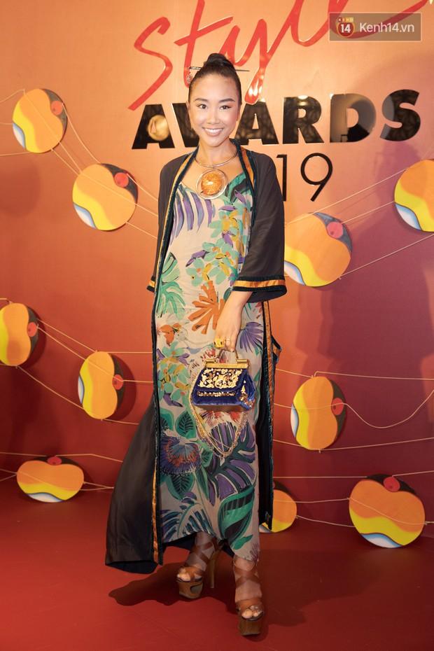 Thảm đỏ Elle Style Awards: chị đại Mỹ Tâm giản đơn giữa những đàn em chặt chém như Tiểu Vy, Jolie Nguyễn, Châu Bùi - Ảnh 23.