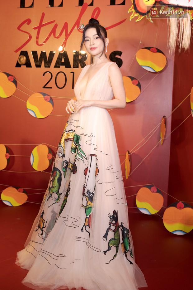 Thảm đỏ Elle Style Awards: chị đại Mỹ Tâm giản đơn giữa những đàn em chặt chém như Tiểu Vy, Jolie Nguyễn, Châu Bùi - Ảnh 15.