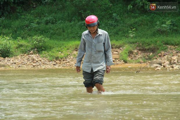 """Về vùng cao Bắc Giang nhìn người dân quanh năm vượt sông, lội suối để ra khỏi """"lũy tre làng"""" - Ảnh 3."""