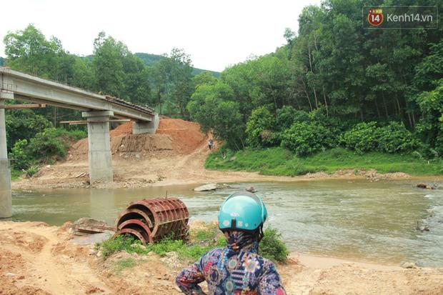 """Về vùng cao Bắc Giang nhìn người dân quanh năm vượt sông, lội suối để ra khỏi """"lũy tre làng"""" - Ảnh 8."""