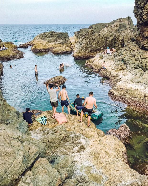 Đà Nẵng xuất hiện hồ bơi giữa biển đẹp y hệt nước ngoài, dân tình hớn hở rủ nhau đi sớm trước khi ai cũng biết chỗ này - Ảnh 17.