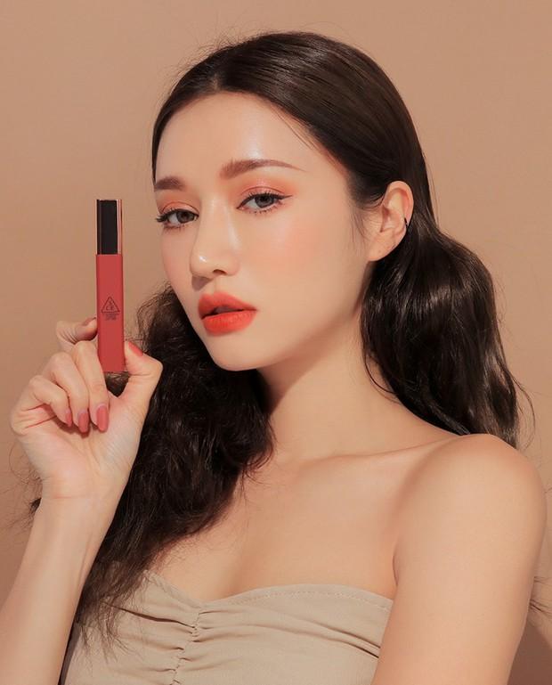 Son mới của 3CE - Cloud Lip Tint: tưởng không đẹp mà đẹp không tưởng, vỏ son xịn sò, giá chưa đến 300k - Ảnh 9.