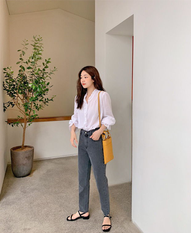 Để tránh bị chê không ra thể thống gì khi diện quần jeans đi làm, nàng công sở chỉ cần nhớ đúng 4 tips - Ảnh 1.