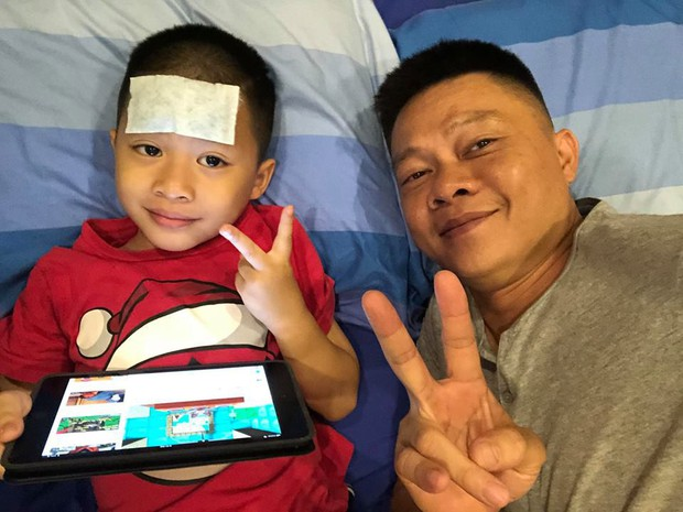 Ngày đầu vào lớp 1, con trai BTV Quang Minh gây chuyện khiến cả bố và cô giáo được phen hốt hoảng - Ảnh 2.