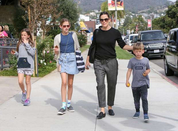 Giàu có, nổi tiếng nhưng các sao Hollywood không hề nuông chiều mà nuôi dạy con nghiêm khắc đến khó tin - Ảnh 14.