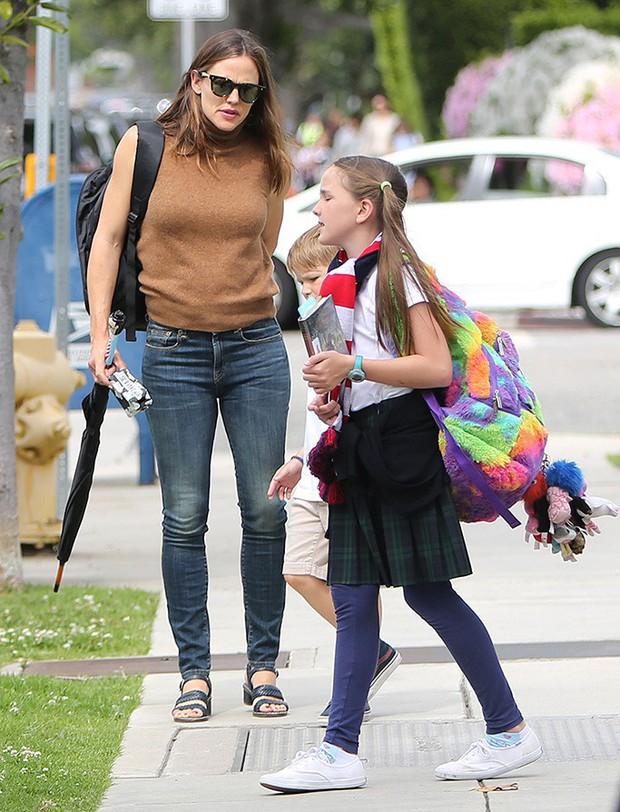 Giàu có, nổi tiếng nhưng các sao Hollywood không hề nuông chiều mà nuôi dạy con nghiêm khắc đến khó tin - Ảnh 16.