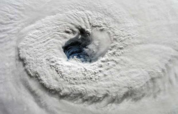 Những bức ảnh ấn tượng về thời tiết trên thế giới nhìn từ trên cao - Ảnh 4.