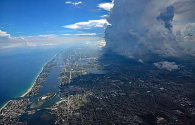 Những bức ảnh ấn tượng về thời tiết trên thế giới nhìn từ trên cao - Ảnh 5.