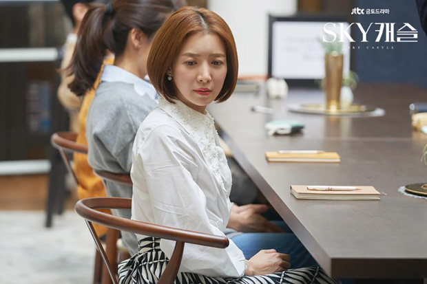 Ji Chang Wook làm Captain Korea: Tỉnh dậy sau 20 năm đóng băng, tình đầu thuở nào giờ đã là quý bà? - Ảnh 8.