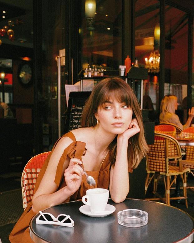 """4 kiểu tóc """"ruột"""" của phụ nữ Pháp: Đơn giản đến lộn xộn mà sao vẫn sang chảnh đến thế! - Ảnh 10."""