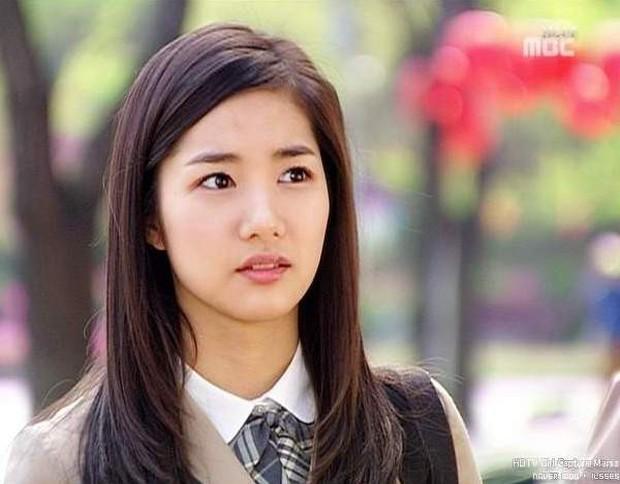 """5 nữ sinh từng gây thương nhớ trong phim Hàn: Người bị chồng bỏ vì """"không có ngực"""", kẻ thăng hạng nhan sắc đến khó tin - Ảnh 3."""
