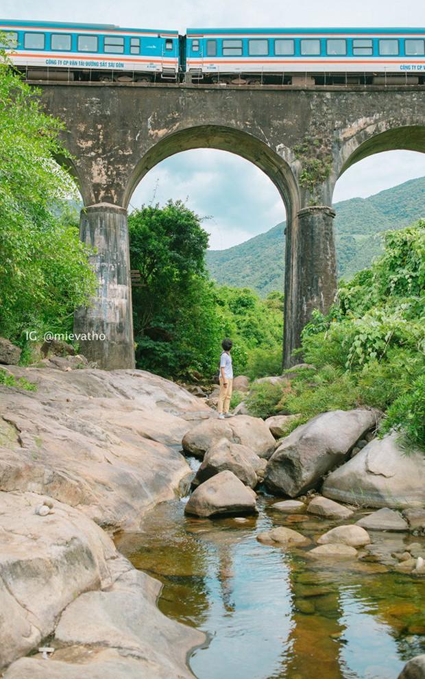"""Hot nhất Đà Nẵng hiện tại chính là """"cổng trời"""" mới toanh dưới chân đèo Hải Vân, nơi có đoàn tàu qua núi đẹp hệt trong phim - Ảnh 27."""