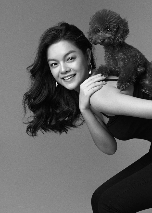 Phạm Quỳnh Anh ngày càng xinh đẹp và gợi cảm, tung bộ ảnh đơn sắc mừng tuổi 35 mà ngỡ 25 - Ảnh 5.