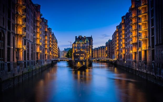 Chuyên trang Mỹ công bố 15 thành phố kênh đào đẹp nhất thế giới, thật bất ngờ có 1 cái tên đến từ Việt Nam! - Ảnh 9.