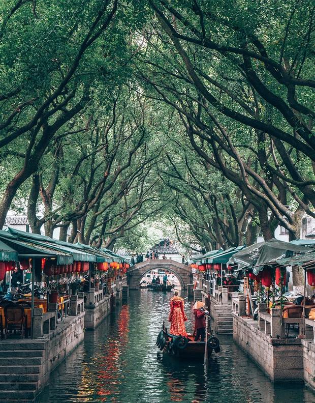 Chuyên trang Mỹ công bố 15 thành phố kênh đào đẹp nhất thế giới, thật bất ngờ có 1 cái tên đến từ Việt Nam! - Ảnh 10.