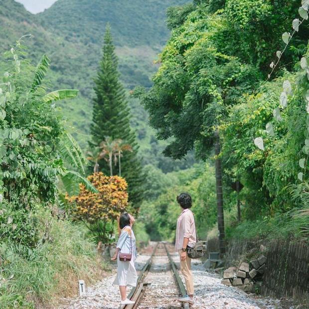 """Hot nhất Đà Nẵng hiện tại chính là """"cổng trời"""" mới toanh dưới chân đèo Hải Vân, nơi có đoàn tàu qua núi đẹp hệt trong phim - Ảnh 26."""