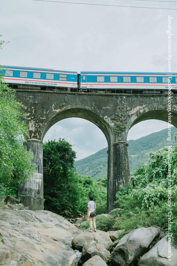 """Hot nhất Đà Nẵng hiện tại chính là """"cổng trời"""" mới toanh dưới chân đèo Hải Vân, nơi có đoàn tàu qua núi đẹp hệt trong phim - Ảnh 21."""