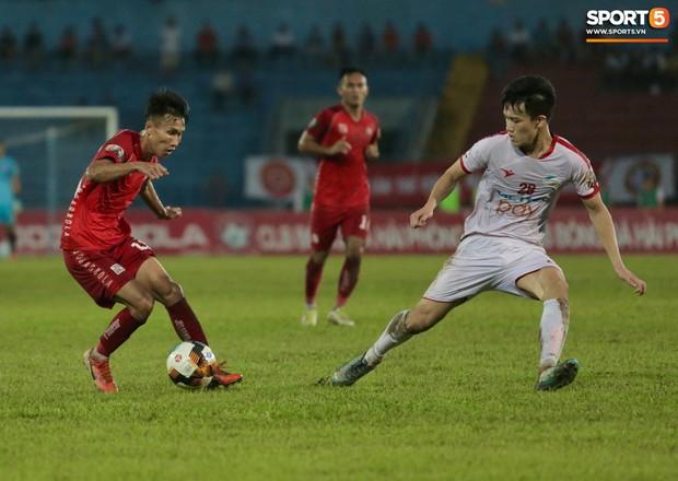 Tiền vệ trẻ Hoàng Đức sa sút vẫn được triệu tập lên tuyển Việt Nam, HLV CLB Viettel nói gì? - Ảnh 1.