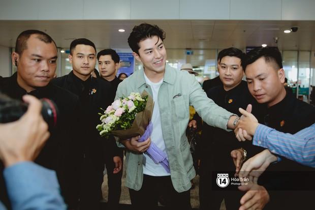 Nam thần Friend Zone Nine Naphat gây bão sân bay Nội Bài: Siêu điển trai phong độ, cực thân thiện với fan Việt - Ảnh 5.