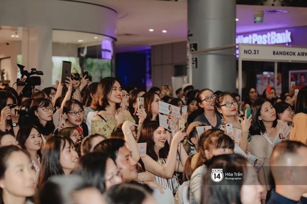 Nam thần Friend Zone Nine Naphat gây bão tại sự kiện ở Hà Nội: Góc nghiêng cực phẩm, fan Việt đông nghẹt thở - Ảnh 17.
