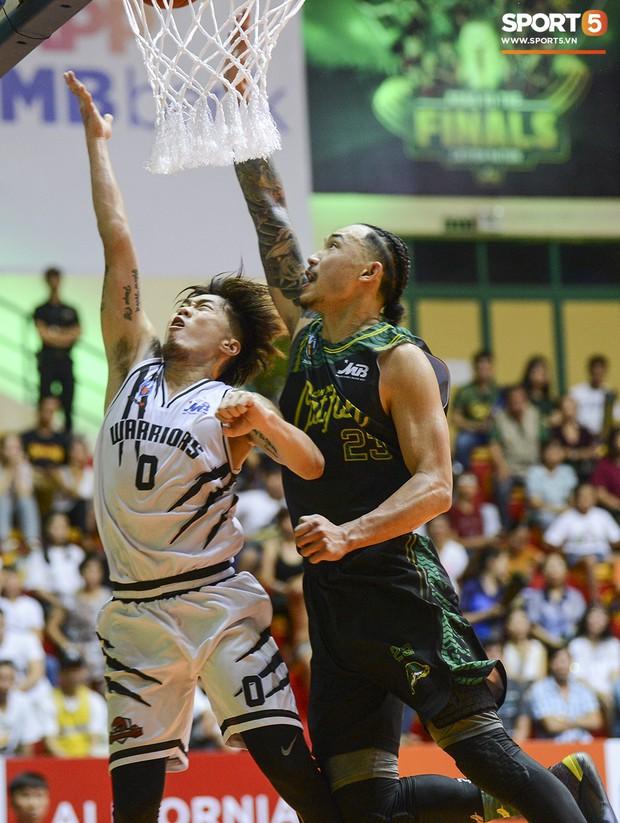 Thang Long Warriors vượt qua Cantho Catfish, tạo nên cú sốc trong ngày mở màn VBA Playoffs 2019 - Ảnh 6.