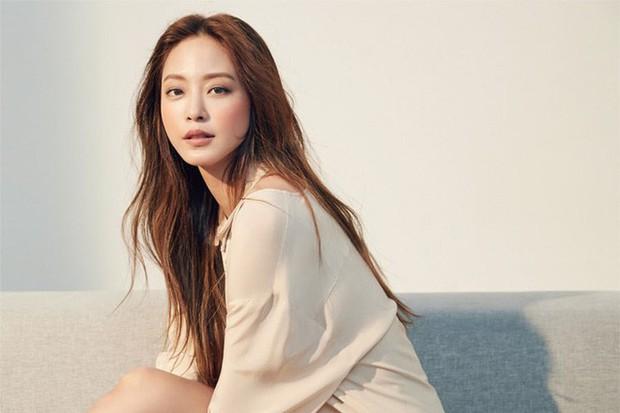 """11 diễn viên Hàn Quốc """"bắn"""" tiếng Anh như gió: Park Min Young nói cực """"xịn"""", yêu tinh Gong Yoo như rót mật vào tai - Ảnh 5."""