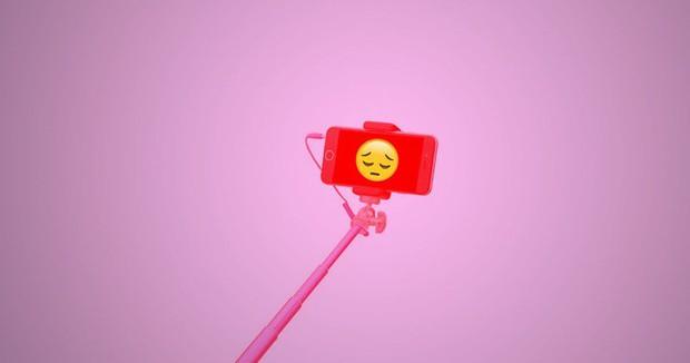 Đăng nhiều ảnh selfie sẽ biến bạn thành kẻ cô đơn, thất bại? - Ảnh 1.