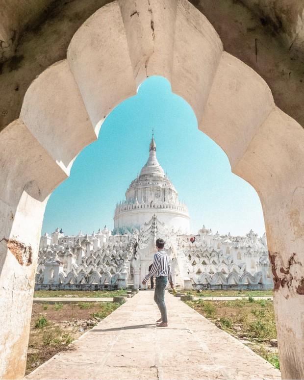 Ngỡ ngàng thấy dân du lịch check-in bước trên… sóng ở ngôi chùa trắng đẹp nhất nhì Đông Nam Á - Ảnh 12.