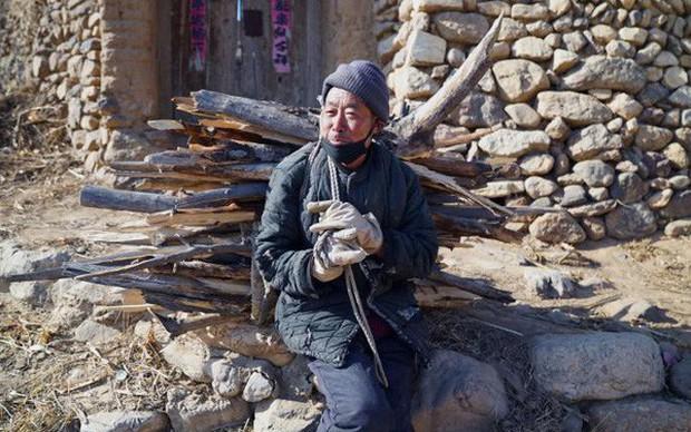 Bi kịch xã hội hiện đại Trung Quốc: Cha mẹ về già bị con cái bỏ rơi, sống cô quạnh, không một lời hỏi thăm, chết không ai biết - Ảnh 6.