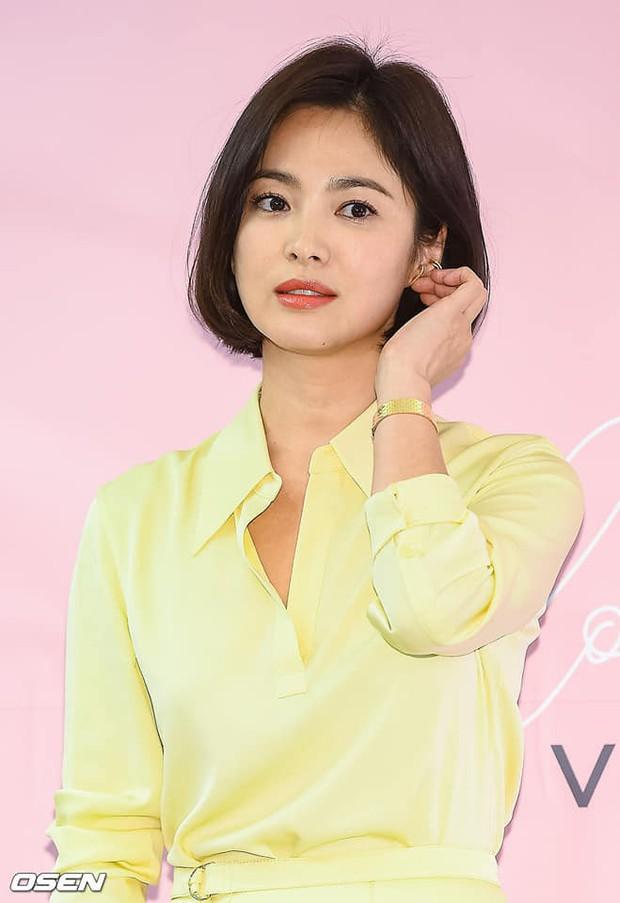 Song Hye Kyo cũng có nhược điểm vóc dáng gây tự ti và đây là 2 cách cô chọn trang phục để khắc phục điều này - Ảnh 7.
